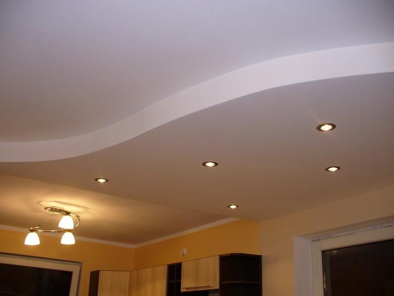 Подвесной потолок в комнате фото