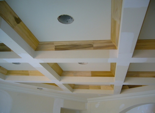 Подвесной потолок в деревянном доме своими руками